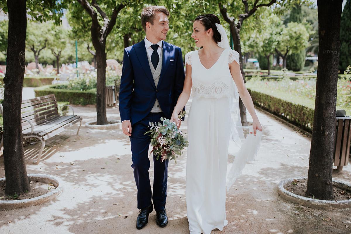 novios boda parque
