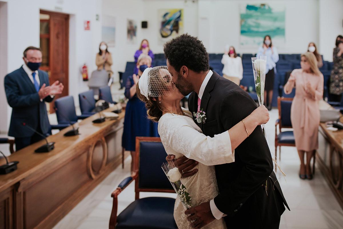 fotografía beso boda
