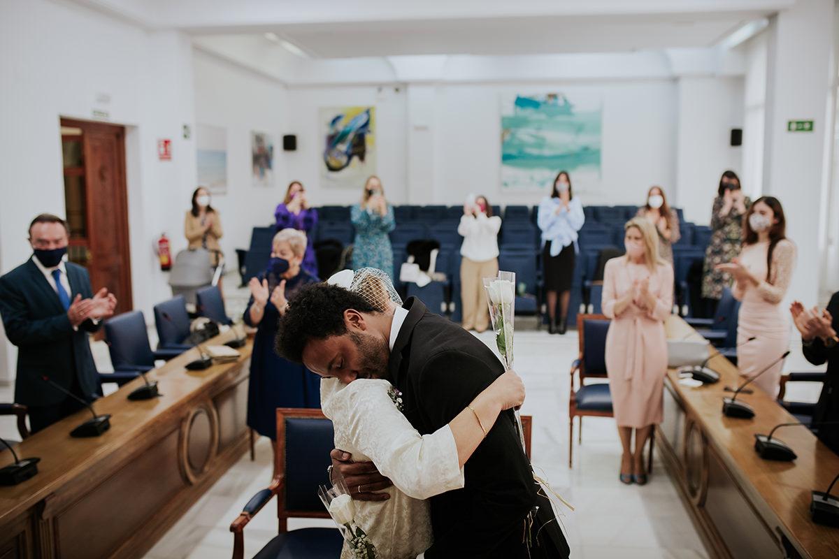 fotografía ceremonia abrazo