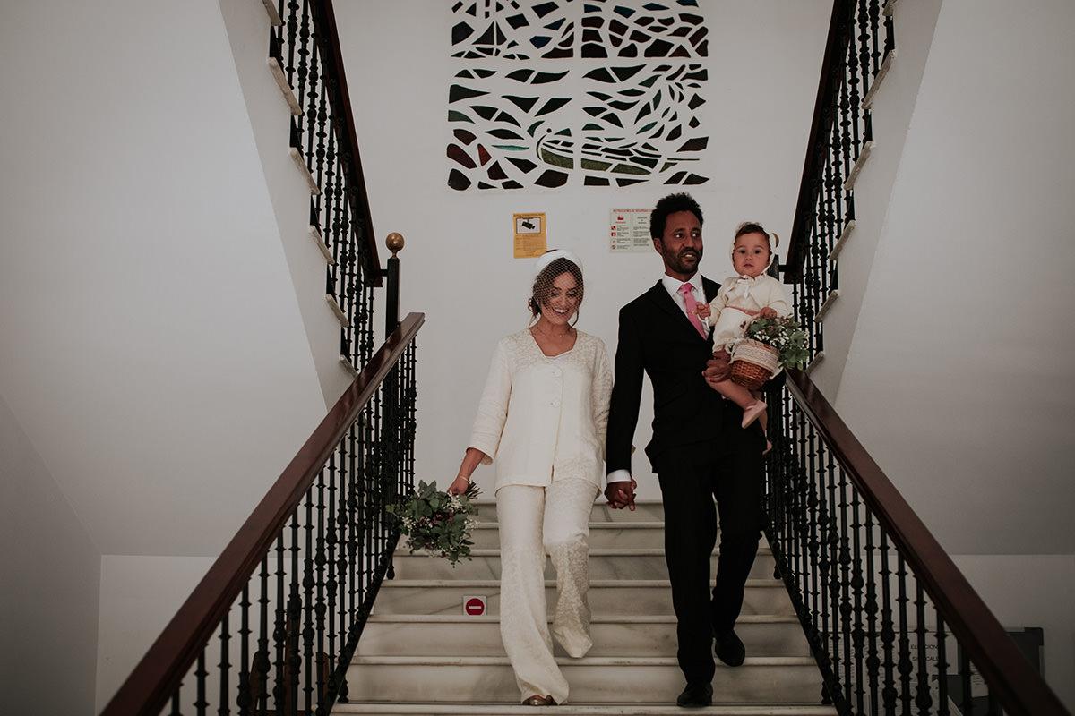 fotografía novios boda escaleras