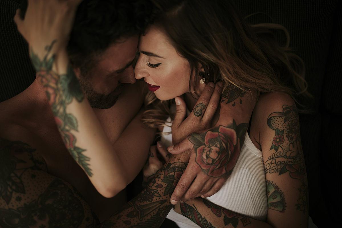 retrato íntimo tatuajes pareja