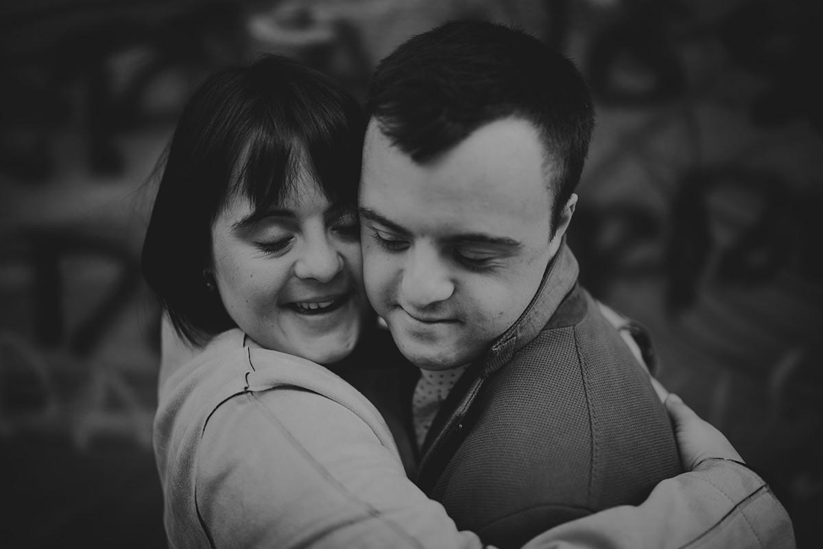 fotografía pareja abrazo málaga
