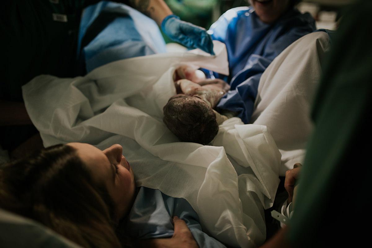 Fotografía parto bebé nacimiento