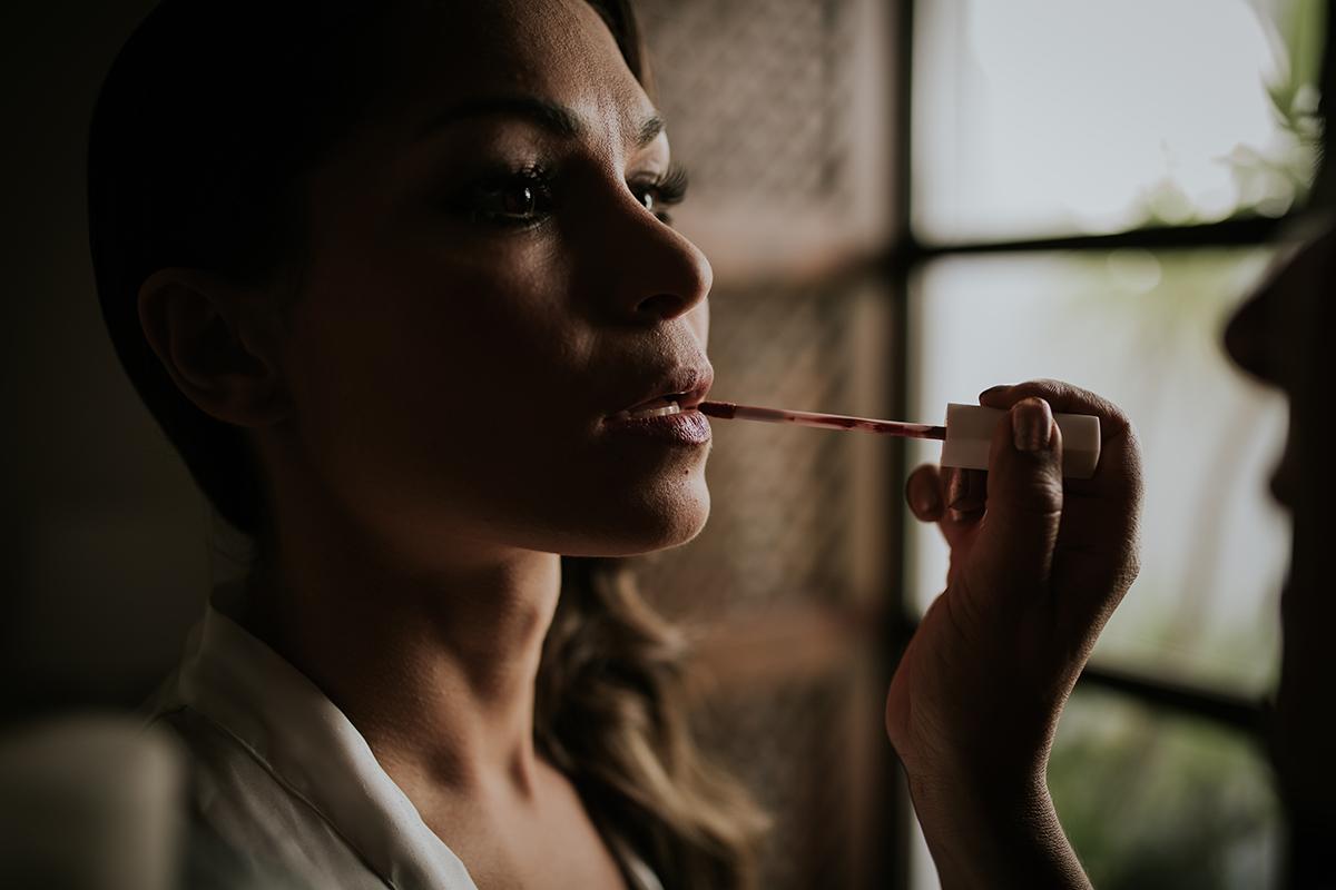 detalle labios novia marbella