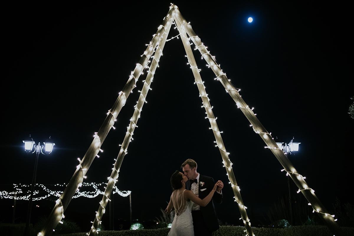 fotografía noche baile marbella novios