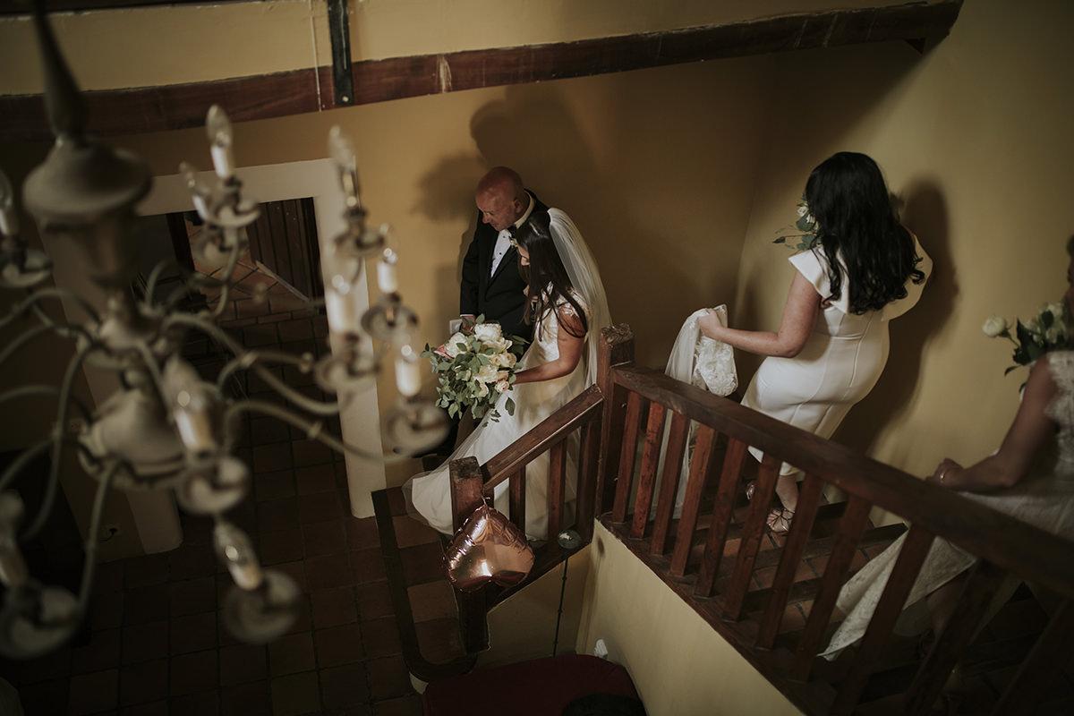 fotografía escaleras novia